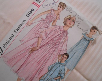 Betty Draper's Negligee - Simplicity Pattern No. 1850 -- 1956  - Misses Size 14