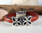 Flower - Caramel Brown and Silver Leather Bracelet