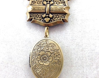 "Luck-O-the-Irish 3 Leaf Clover ""Good Luck"" Locket Necklace, Vintage Gold, 20"""