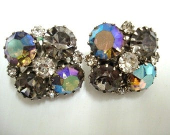 Lovely VINTAGE EARRINGS - Clip Style Earrings by Weiss Aurora Borealis