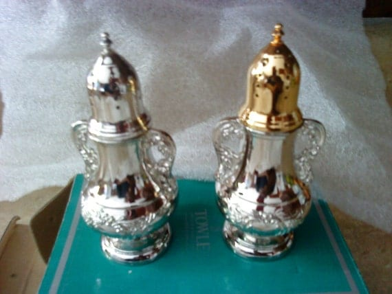 2 New Vintage Towle  NOT8403462 Silverplated EP 4in  Salt and Pepper Shakers
