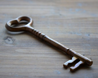 "Extra LARGE Skeleton Key Heavy Solid Brass 6"" Long vintage style Skeleton Key Antique Bronze Key Decoration (BA093)"