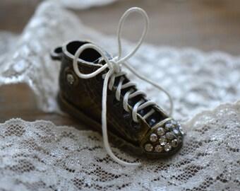 1 - Tennis Shoe Charm Rhinestone Allstar Shoe Pendant Shoelace Jewelry Making Supplies.(D006)