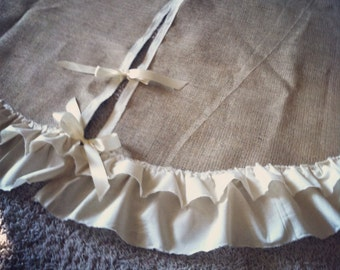Add-On a Ruffle To Your Tree Skirt