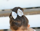 Big butterfly hair clip in gray