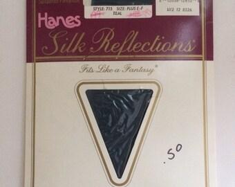 Vintage Pantyhose / 1980s Pantihose / Hanes Silk Reflections Teal Pantyhose / Plus Size Pantyhose
