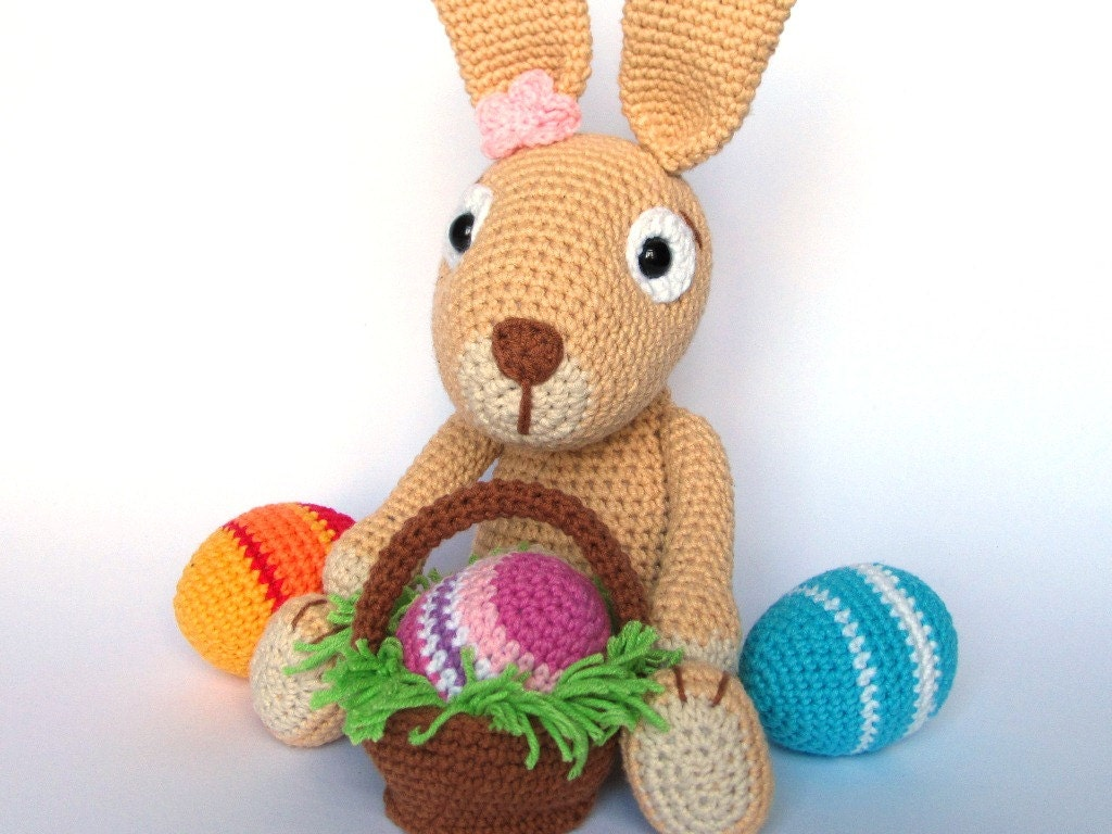 Easter Crochet Patterns For Beginners : Easter Bunny with Easter Eggs Crochet Pattern / Amigurumi