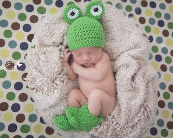 Frog Beanie, Frog Beanie and Booties, Crochet Baby Hat, Photo Prop