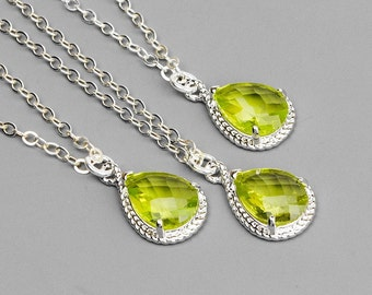 10% OFF SET OF 5 Bridesmaid Necklaces - Silver and Green Glass Pendant Necklace - Bridesmaid Jewelry - Bridesmaid Gift - Wedding