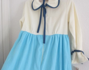 Sale now 10.00  Very velour  long soft robe, pretty blues with bows, petite.