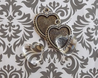 12 1 Inch Heart Pendant Tray, Bezel Heart Pendant in Antique Silver with glass