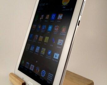 ipad mini (ALL) / Galaxy Note 8 tablet stand / dock  -  Oregon Myrtle Wood