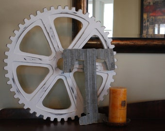 "12"" Distressed Wooden Gear"