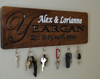 Personalized Key Holder, Wedding gift idea, Personalized Wedding Gift, Monogram Key Holder, Anniverssary Gift Key Hanger, Bridal shower