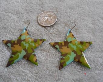 Vtg RETRO Pierced Earrings-Camo Kackie Stars-R3538