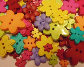 50 piece flower button mix, 13-38 mm (B8)