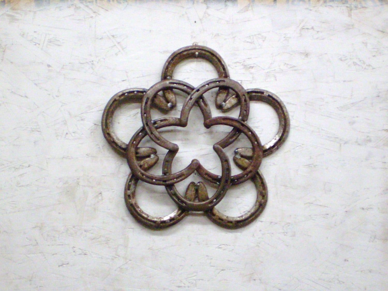 Rustic horseshoe star wreath christmas rustic decor cowgirl for Horseshoe christmas art