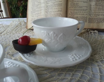 Perfect Set of 4 Harvest Grape, Colony Milk Glass Tea Cups and Saucers
