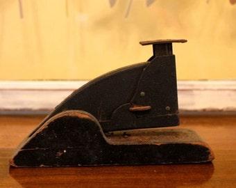 Vintage Model 3G Stapler