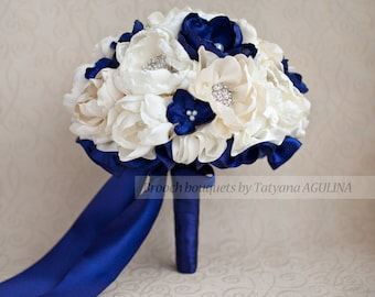 Brooch bouquet. Ivory and Navy Blue wedding brooch bouquet, Jeweled Bouquet. Made upon request