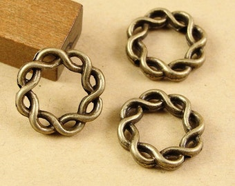 20pcs 15x15mm Antique Bronze Lovely Filigree Round Circle Charms Pendant Jewelry Supplies A1911-1B
