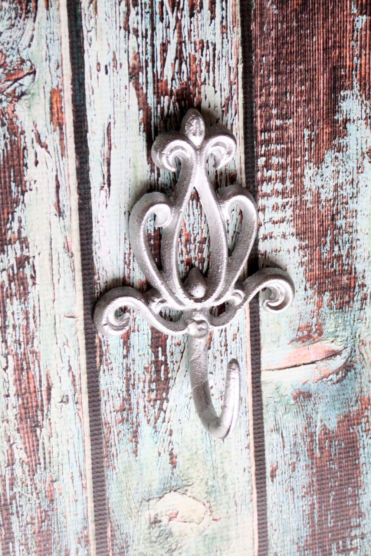 cast iron victorian wall hook decorative coat rack metallic. Black Bedroom Furniture Sets. Home Design Ideas