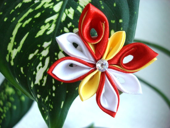 Tutoriel papillon kanzashi fleur de ruban par for Tutorial papillon