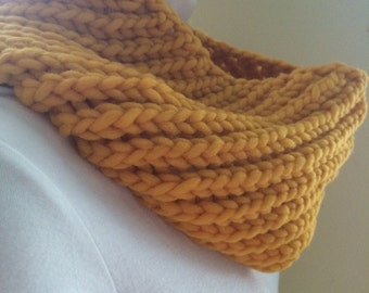 Sunflower Cowl