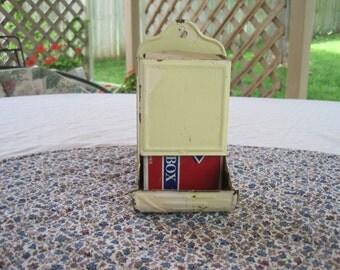 Vintage 1940-1950 Tin Matchbox.