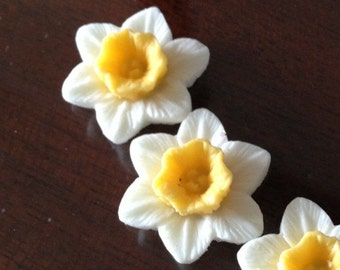 12 pcs of resin flower cabochon 16mm-0889-whie-yellow
