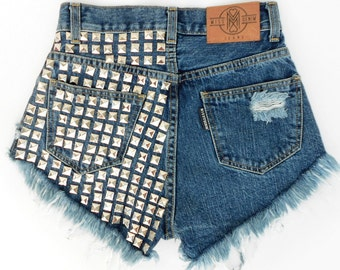 Mrs. Stud MISSDENIM Shorts Highwaisted Cutoffs Studded Ripped Frayed