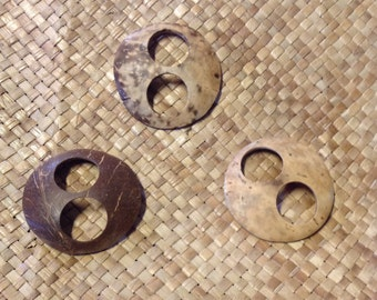 2 Coconut Coconut Shell For Buckle Or Tie For Sarong/Pareu Or Polynesian Costuming. Perfect Coconut Shell To Add To Your Beautiful Sarong!!!