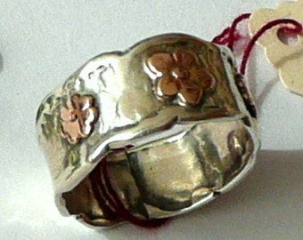 Band ring with gold flowers silver ring  wedding ring Handmade by Designer Hedva Elany