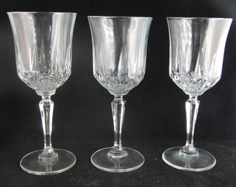 Genuine lead crystal wine glasses  (3 glasses).
