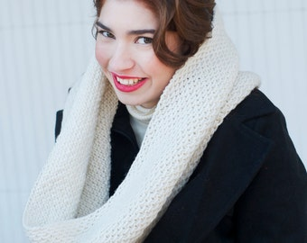 Chunky Knit Wool Cowl Winter White