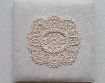 """4"""" Lace Round Applique - Ivory Antique Circle Lace for Table Cover Doily, Wall Decor, Clutch bag - Dyeable applique in custom color"""