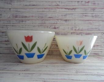 Fire King Ivory Tulip Splash Proof Mixing/Nesting Bowls