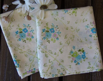 Vintage Set Standard Pillowcases Blue Green Lavender
