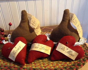 Personalized Primitive Valentine Chocolate Kisses and Hearts, Be Mine, True Love and Kisses Bowl Filler, Ornie or Tucks