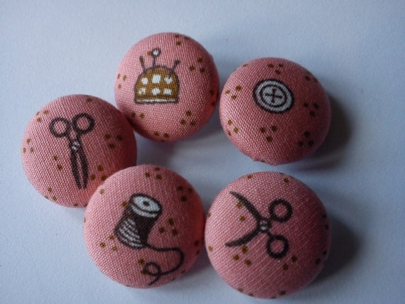 Make do and mend fabric covered buttons 19mm x5 scissors pin cushion button cotton reel
