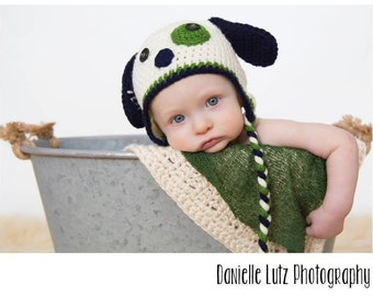 Puppy Time Hat in Navy Blue, Kelly Green, and Cream