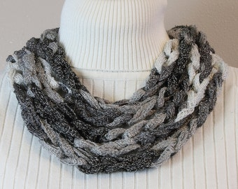 Chain Stitch Skinny Scarf in Gray Ombre