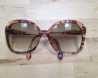 Vintage Paloma Picasso sunglasses. Big sunglasses. Movie star glasses!