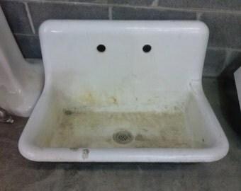 Rsrvrd Warehouse Sale Antique Cast Iron Sink White