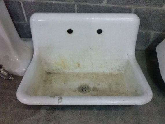 Rsrvrd warehouse sale antique cast iron sink white for Evier cuisine antique