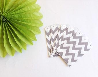10 Sacchetti di carta fantasia zig zag grigi / 10 Grey Chevron Paper Bags