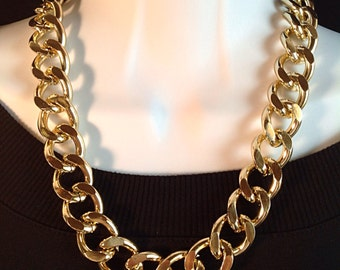Gold chain necklace. Large gold chain. Chunky gold chain necklace. Large gold chain necklace. Statement necklace. Chunky chain.