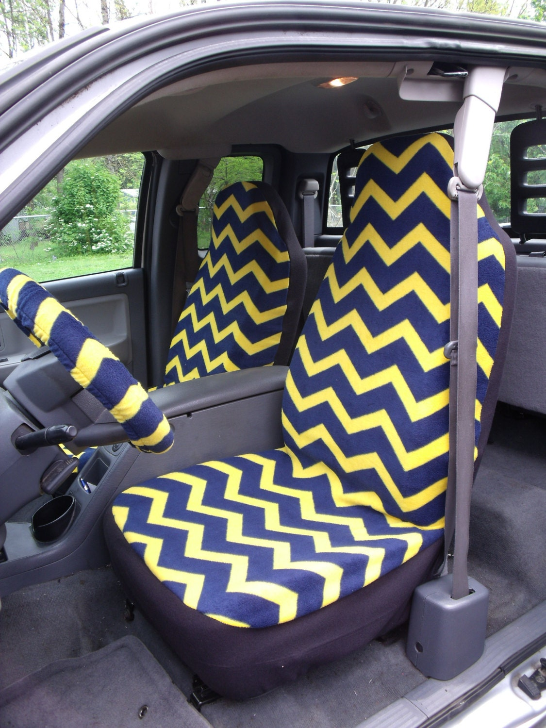 1 Set Of Navy Blue Yellow Chevron Seat Covers And Steering