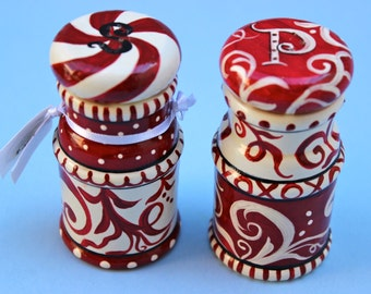 Hand Painted  ~ Hardwood ~ Red and White ~ Salt and Pepper Shakers ~ Hand Painted Salt and Pepper Shakers ~ Kitchen Decor ~ Serveware ~ Red