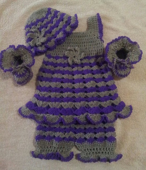 Crochet Baby Dress And Bonnet Pattern : Crochet baby dress bloomers hat and booties pattern